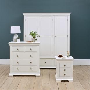 Chantilly Warm White Triple Wardrobe Bedroom Set