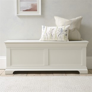 Chantilly Warm White Wide Blanket Box