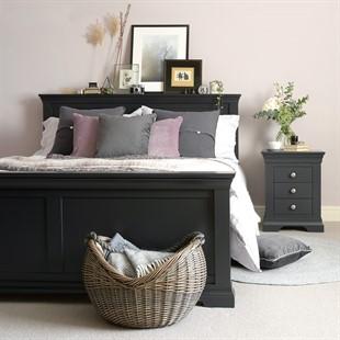 Chantilly Dusky Black 5ft Kingsize Bed