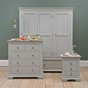 Chantilly Pebble Grey Triple Wardrobe Bedroom Set