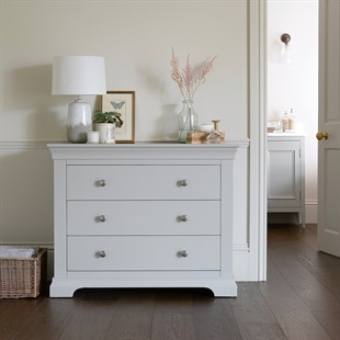 Chantilly Pebble Grey 3 Drawer Petite Chest