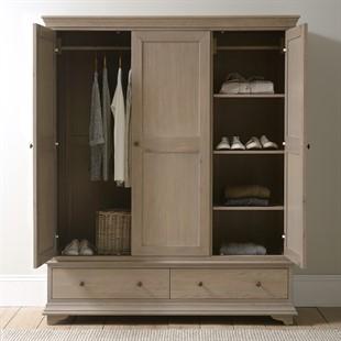 Winchcombe Smoked Oak NEW Triple Wardrobe