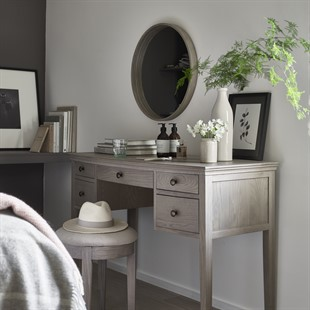 Winchcombe Smoked Oak Dressing Table and Stool