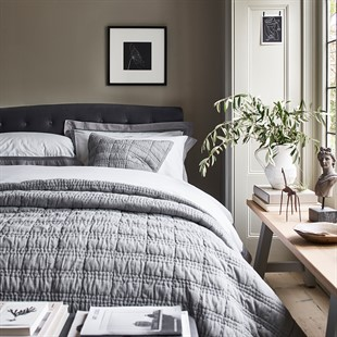 Huxley 5ft Kingsize Bed - Soft Velvet - Iron