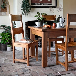 Oakland 132-162-192 Ext. Table and 4 Wooden Seat Chairs