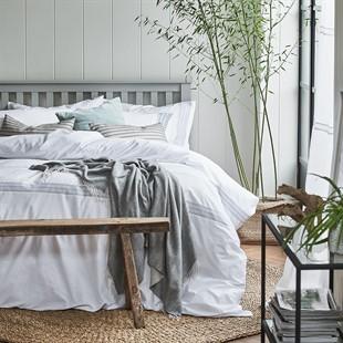 "Pensham Dove Grey 4ft 6"" Double Bed"