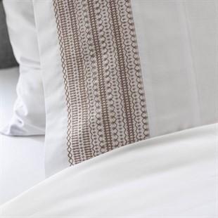 Avebury Natural Standard Pillowcase
